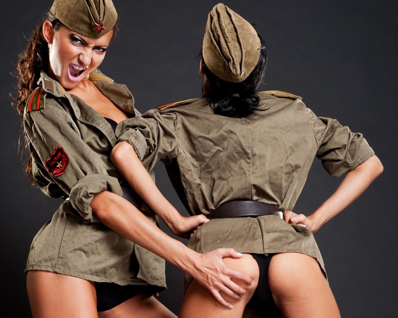intervyu-golodnie-parni-v-armii-porno-smotret-onlayn-russkie