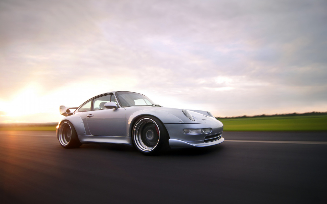 серебристая Porsche  № 984885 загрузить