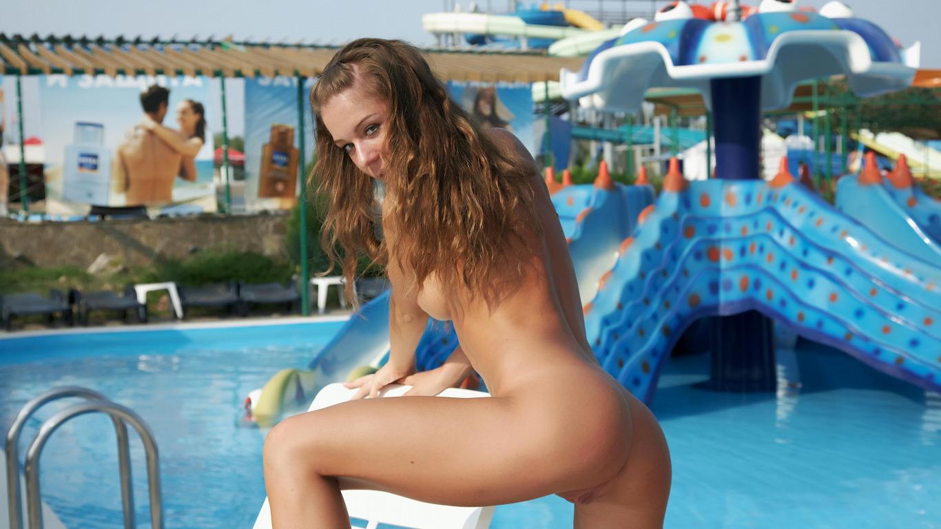 Секс в аквапарке видео