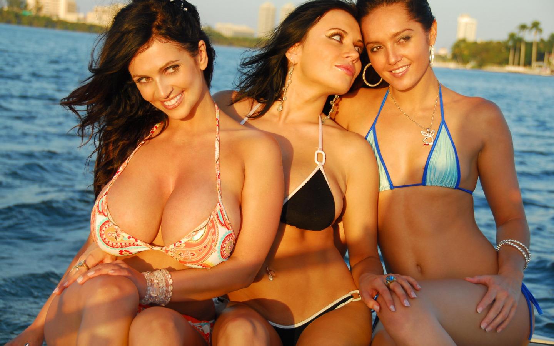 супер грудастые девушки в бикини смотреть онлайн-хв7