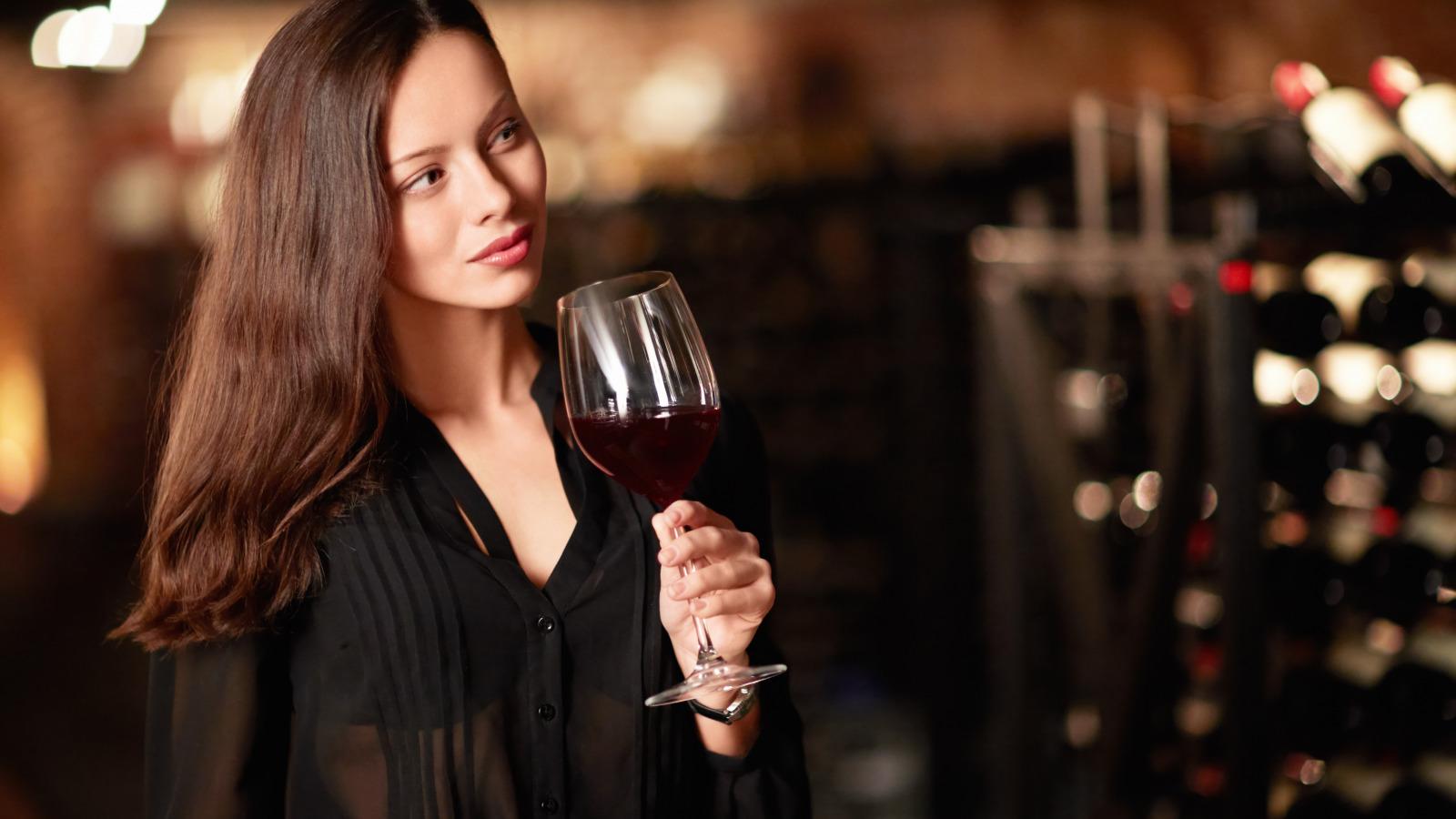 Падают, картинки про вино и девушек