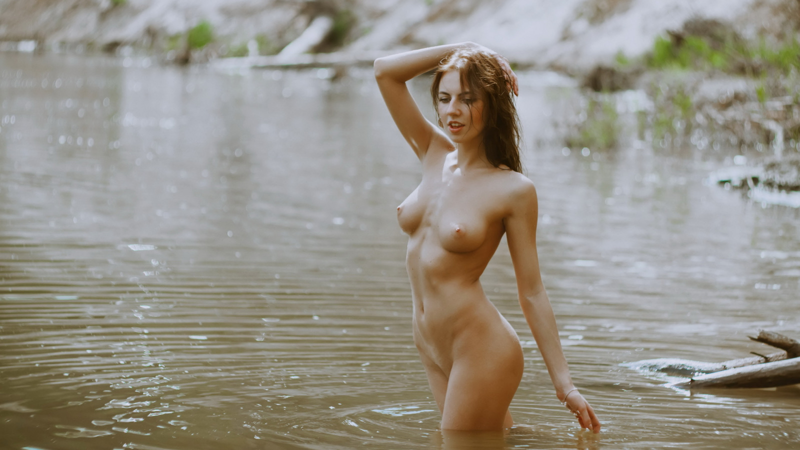 трибунам, футболист девушка на реке эротические фото мастурбации