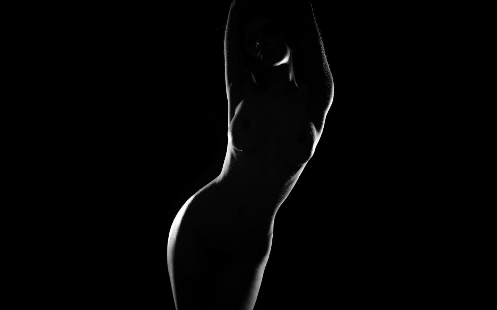 женщина темные эротические обои для рабочего стола сисечки