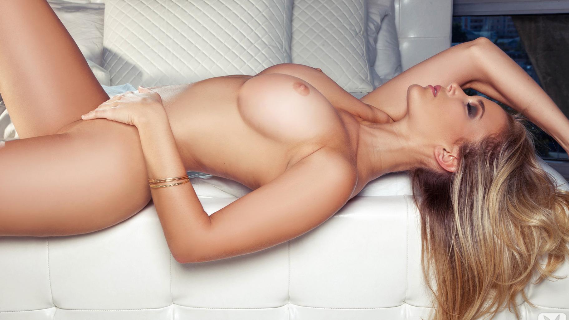 Lyn velit nude