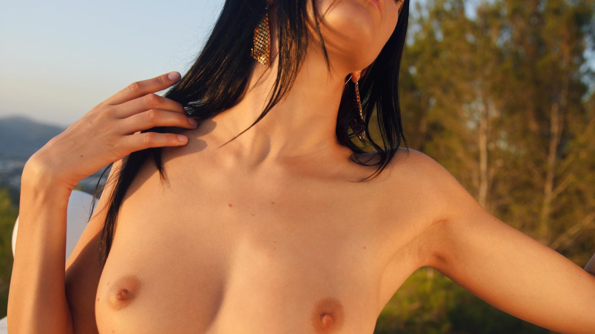 vse-golie-fotki-natashi-korolevi