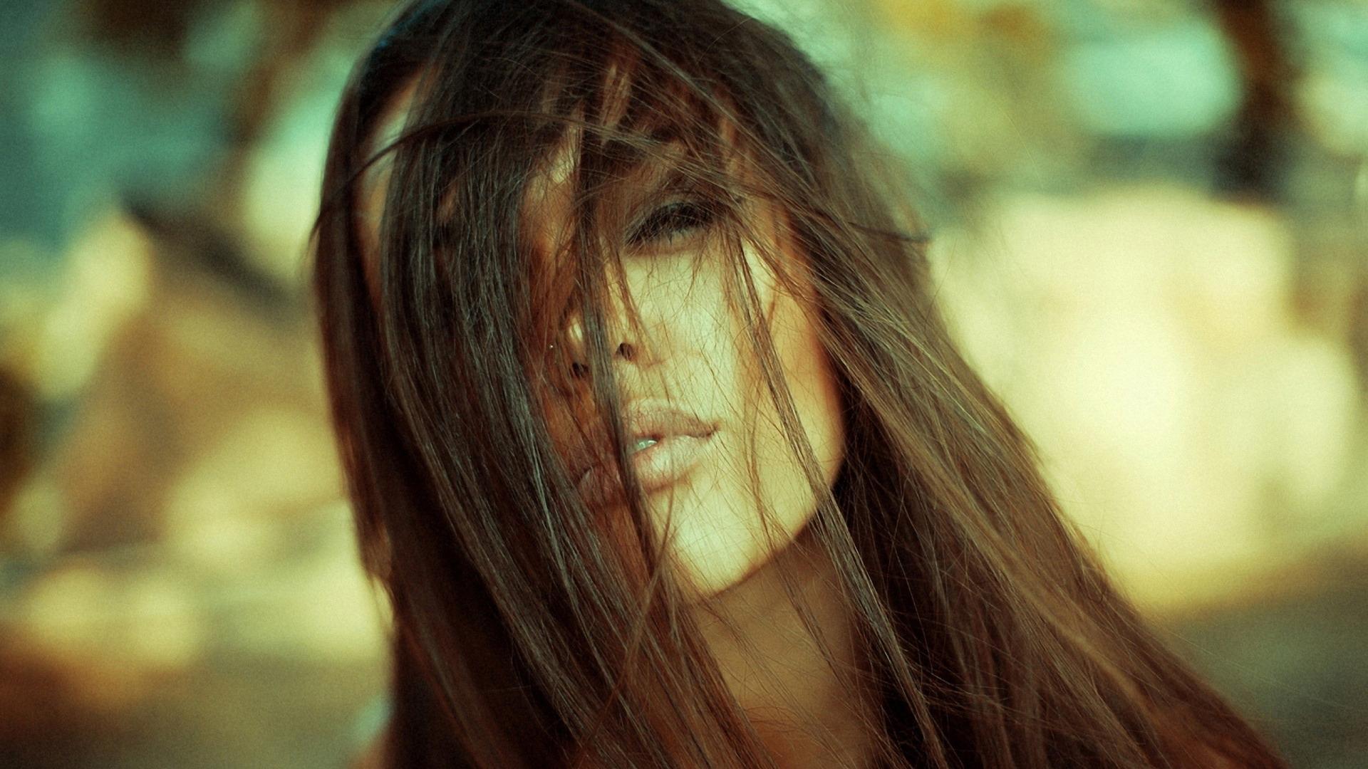 Фото красивой девушке брюнетки одной и той же 26 фотография