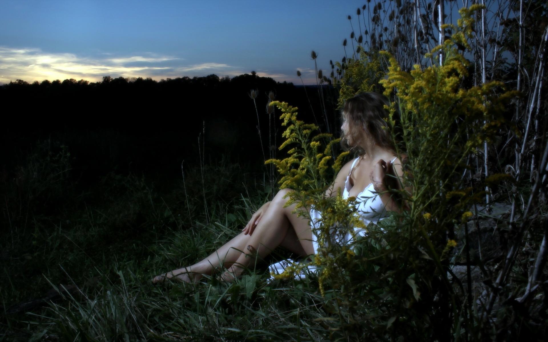 Фото зрелых русских баб на природе, Зрелые тетки на природе - 20 фото домашнее порно 19 фотография