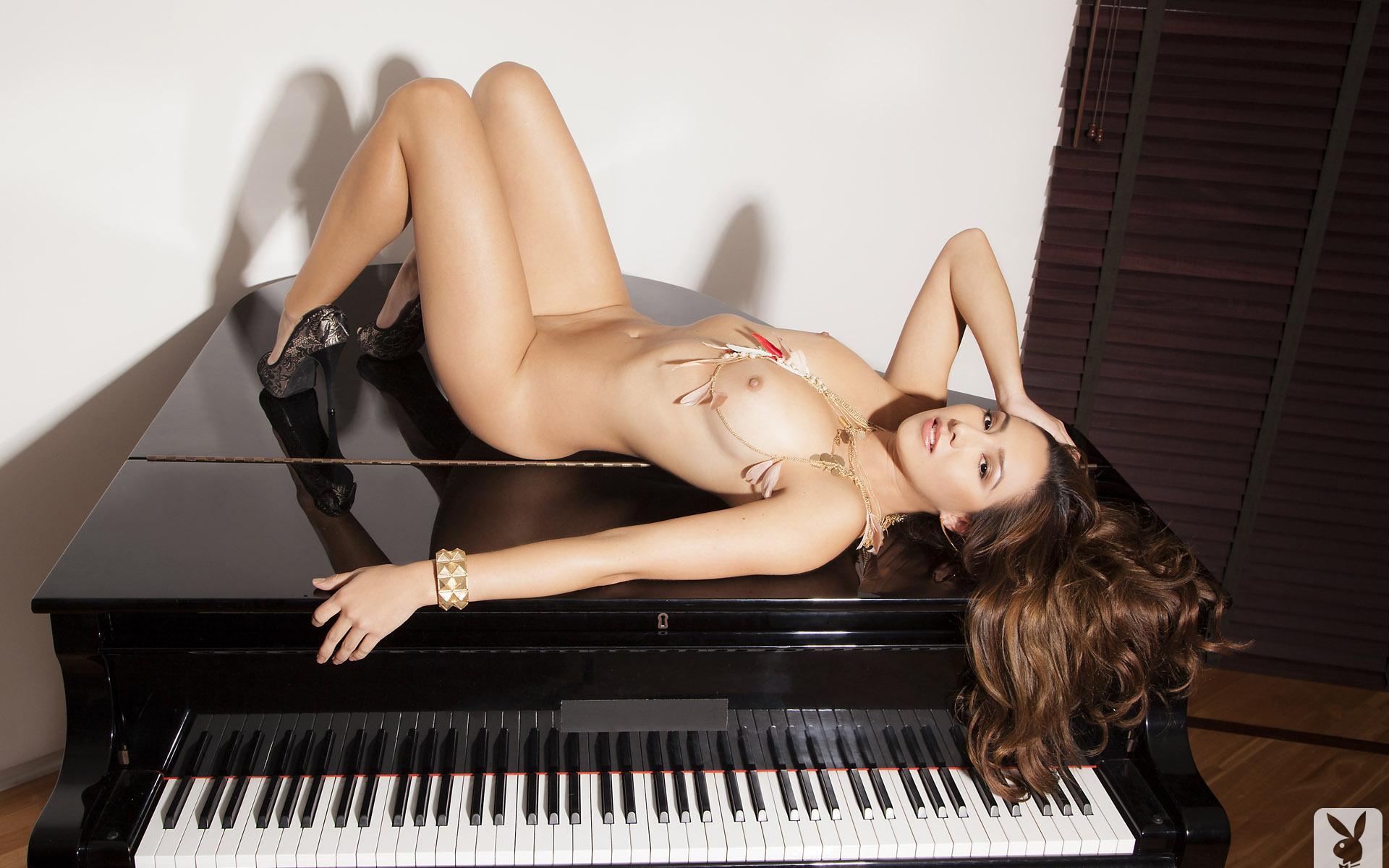 русское порно учит играть на пианино знаете, что