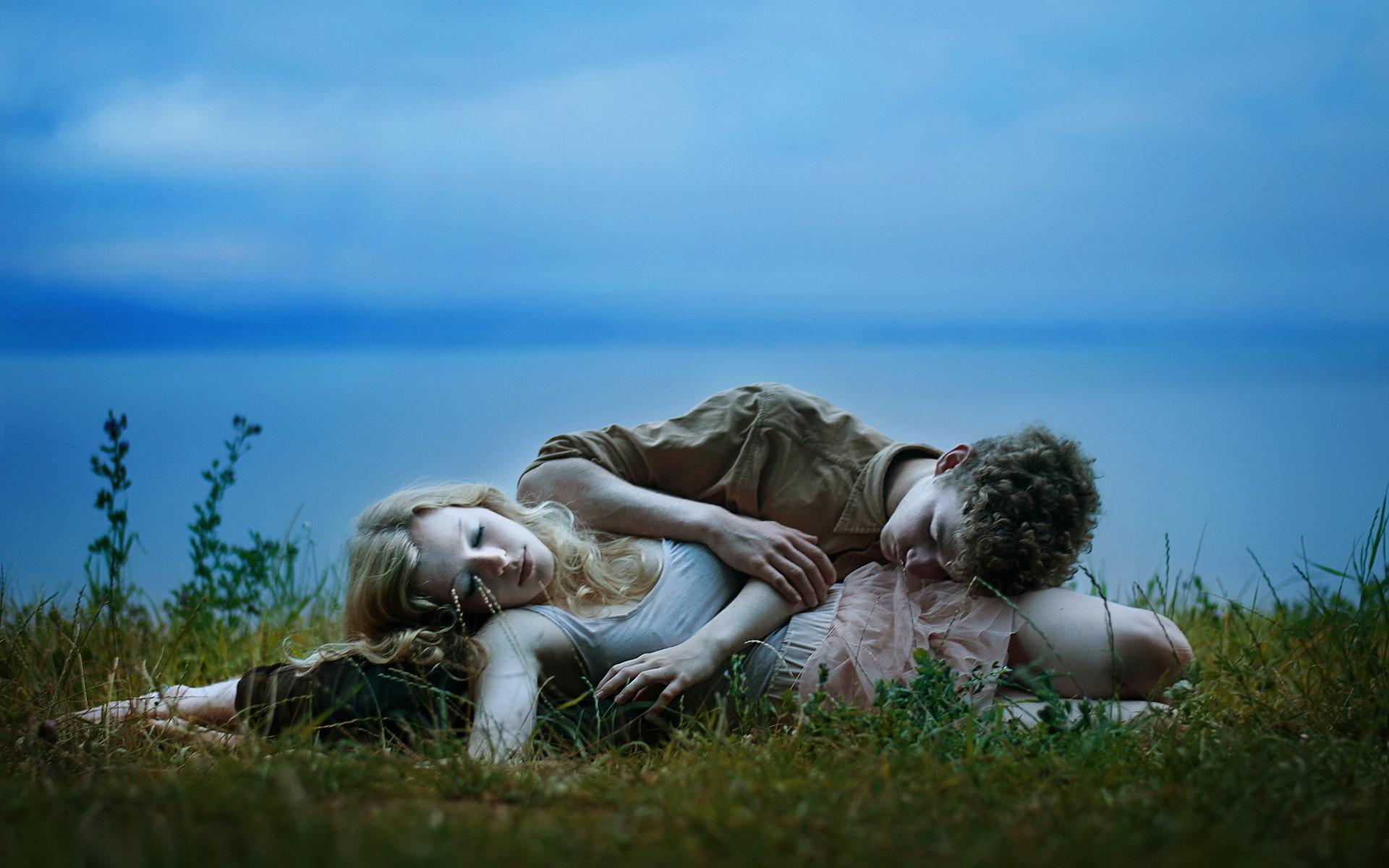 Любовники на природе фото, как голые телки загорают на пляже
