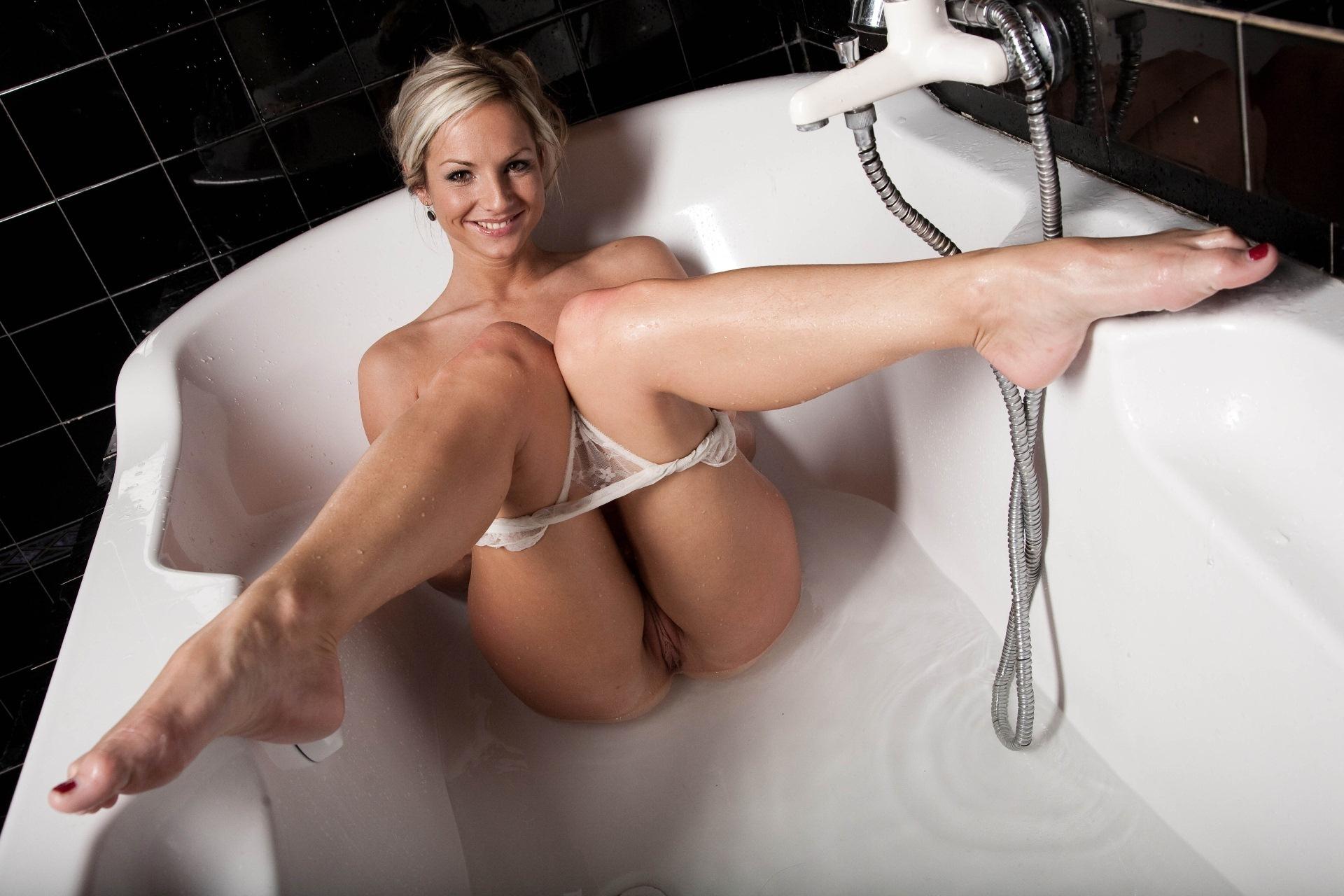 Смотреть порно фото знаменитостей женщины 16 фотография