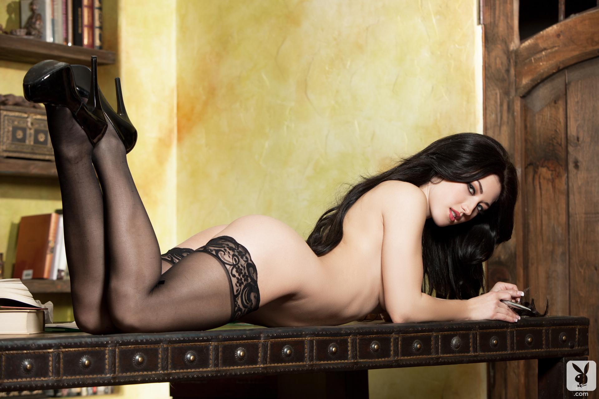 Фото голых модели в чулках, Новые галереи модели, в чулках. Голые девушки 8 фотография