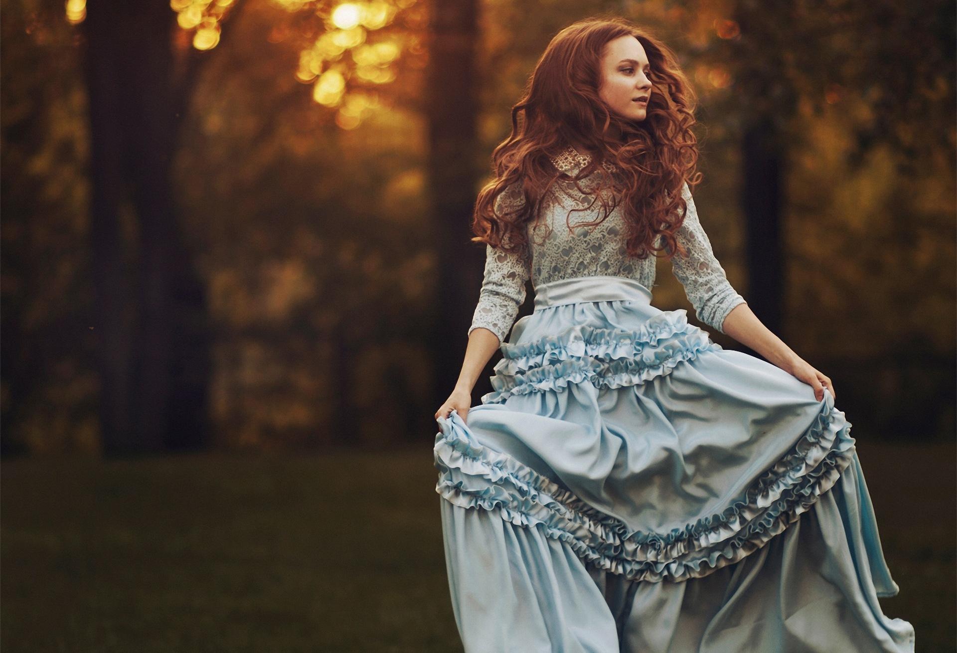 рыжие девушки в красивых платьях фото поработаю