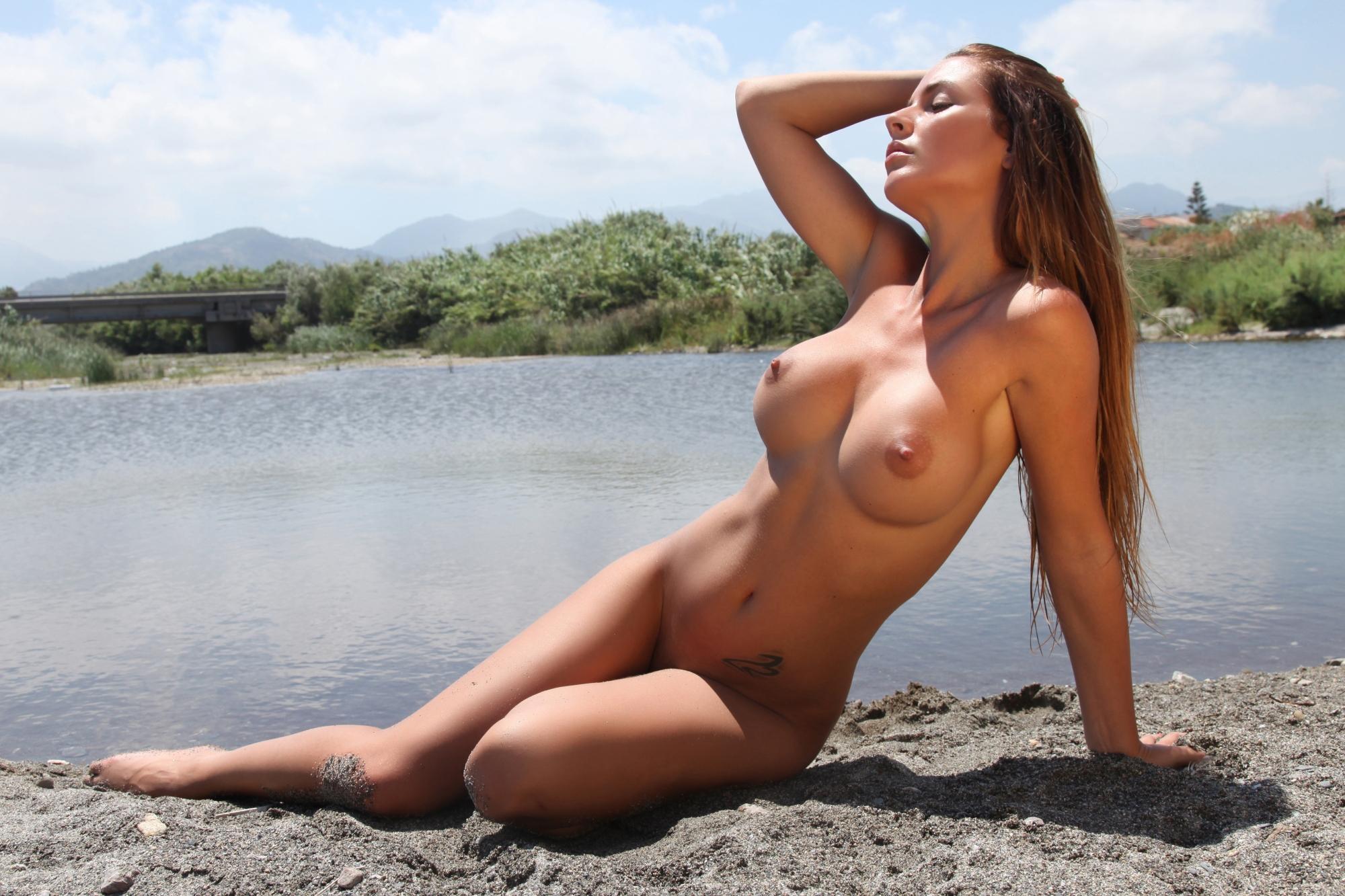 eroticheskie-foto-aleksa