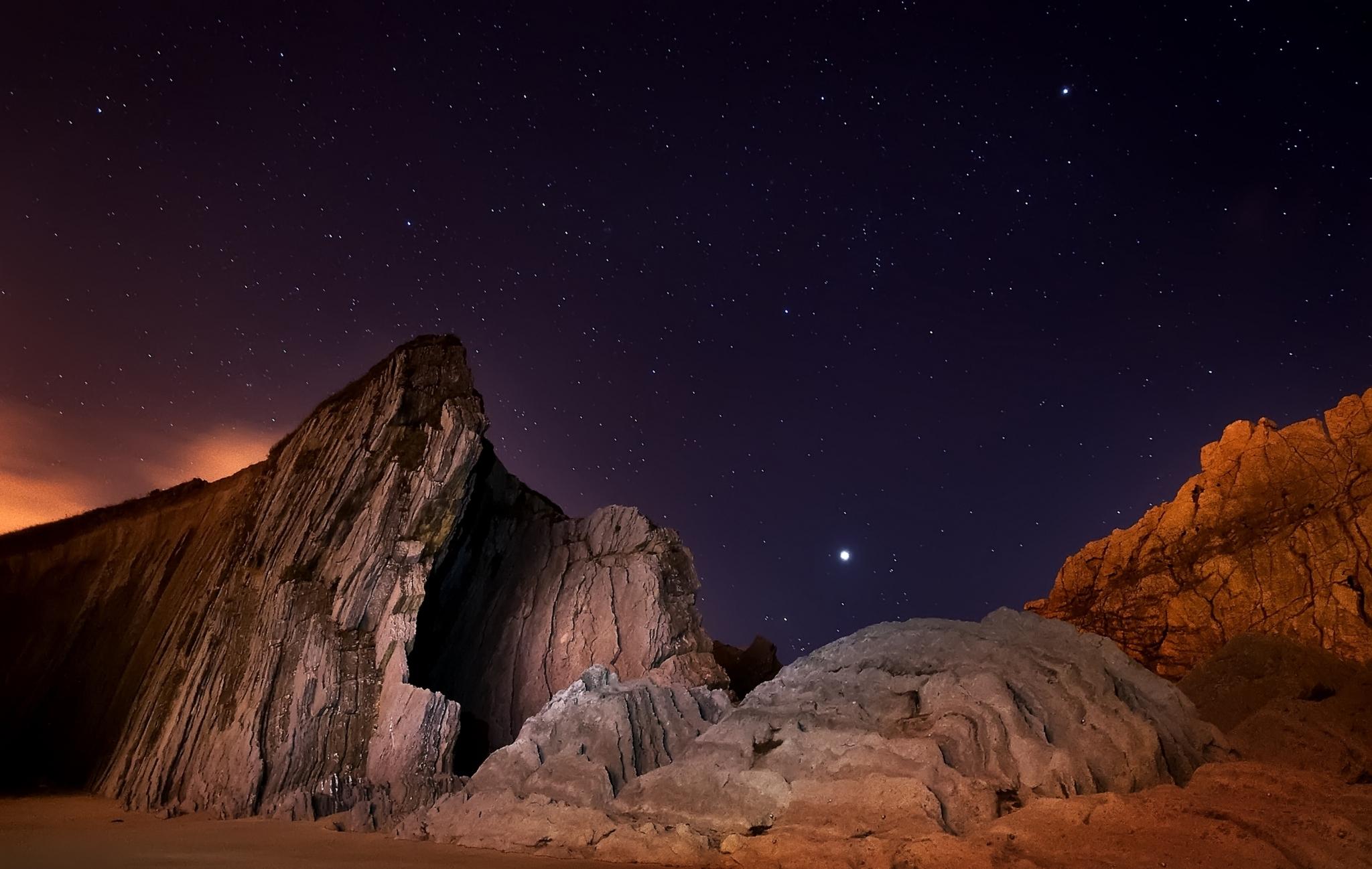 природа космос горы скалы небо звезды ночь  № 851864 бесплатно