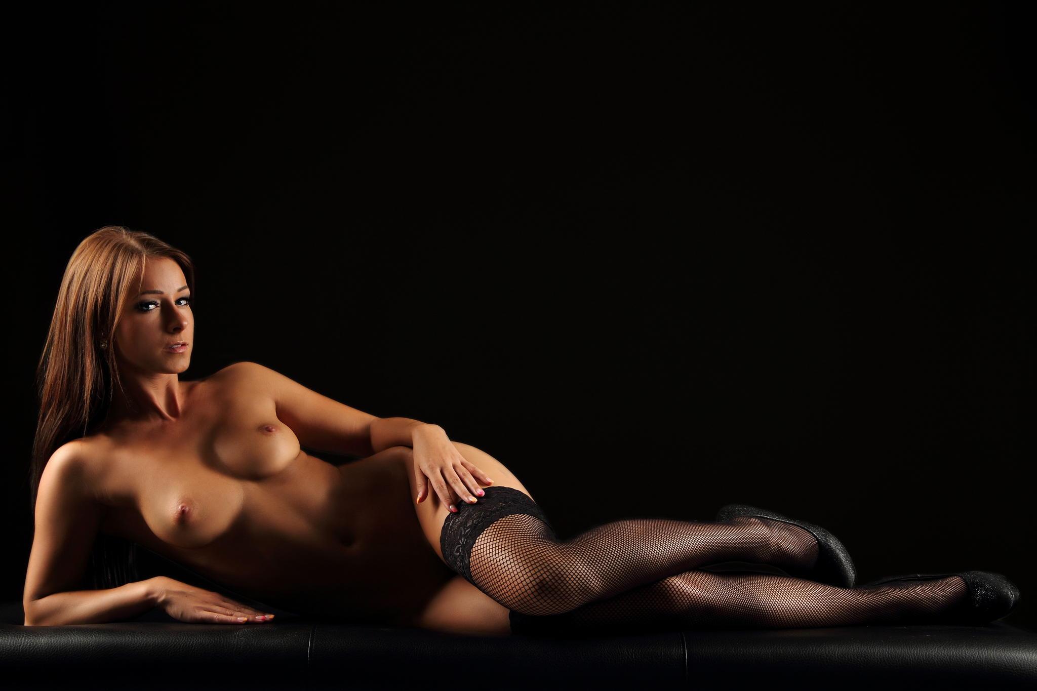 risunki-eroticheskie-portreti-karandashom