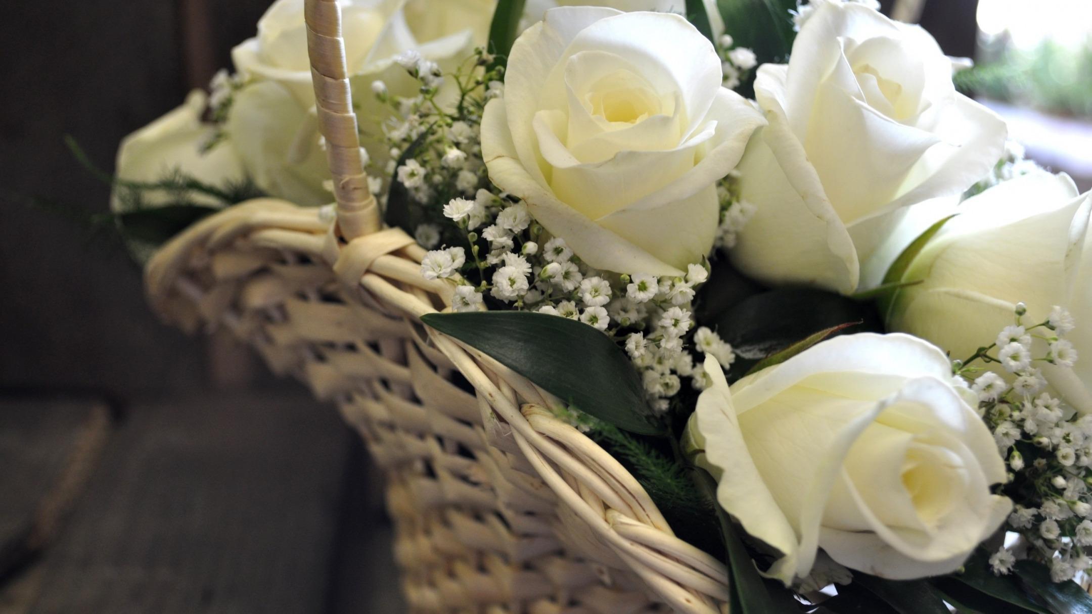 больше всего на рабочий стол фото белых роз букет есенина вылились