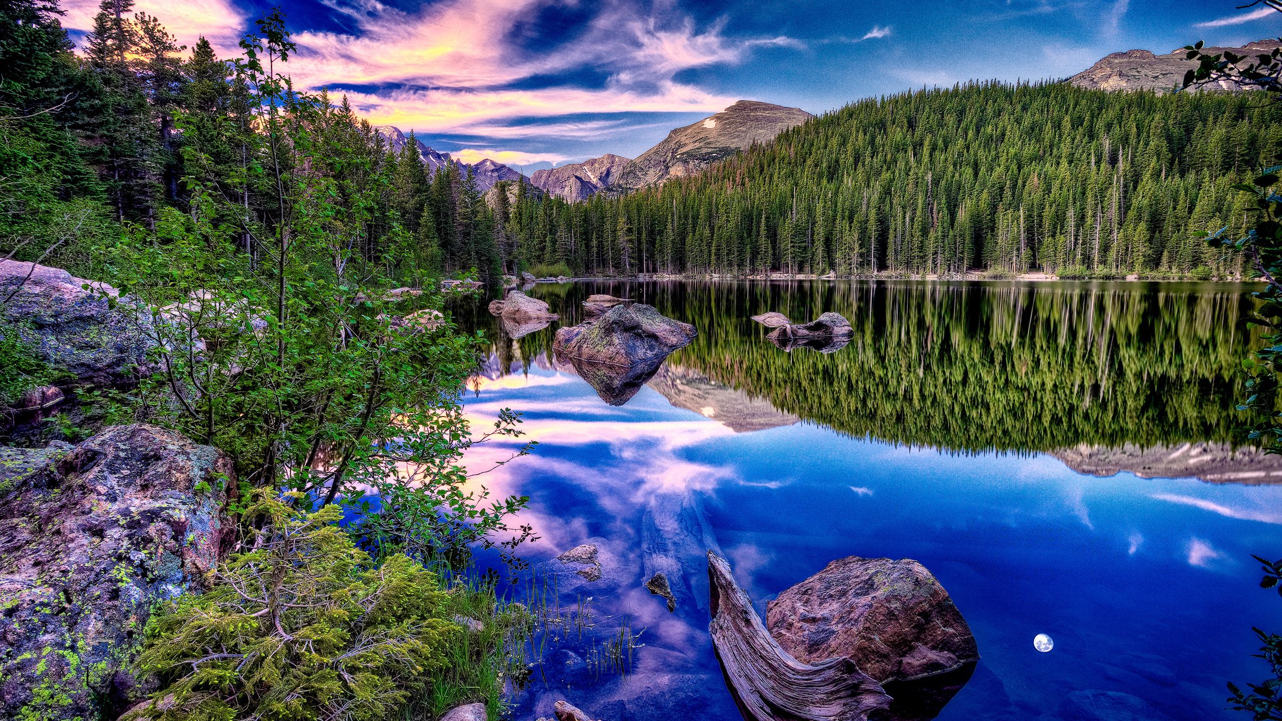 природа облака озеро горы скалы деревья отражение nature clouds the lake mountains rock trees reflection  № 2504192 бесплатно