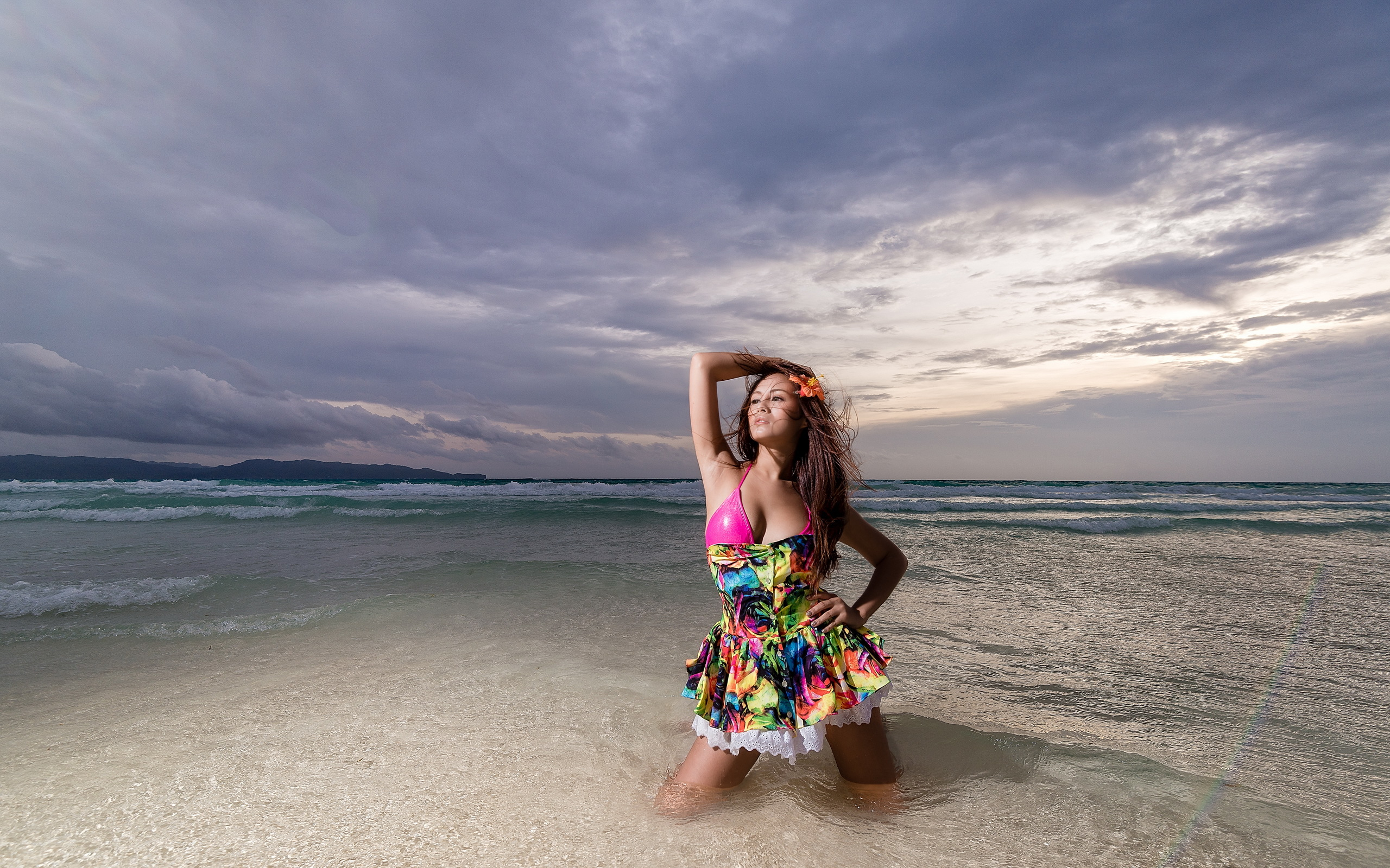 Девушка на море фотографии