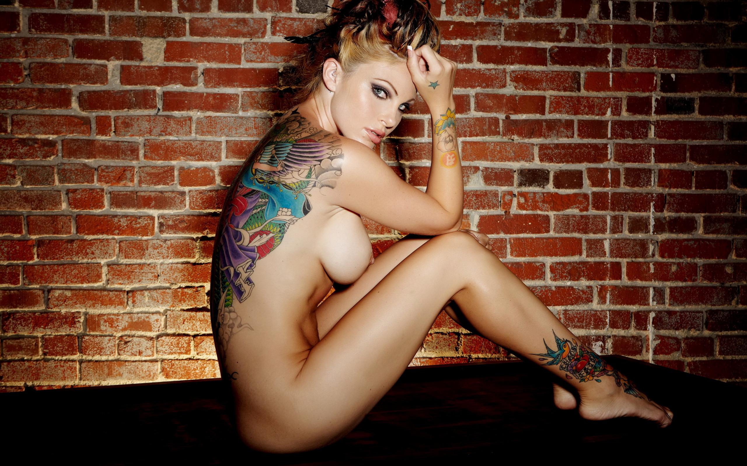 michelle-payne-tattoo-model-nude