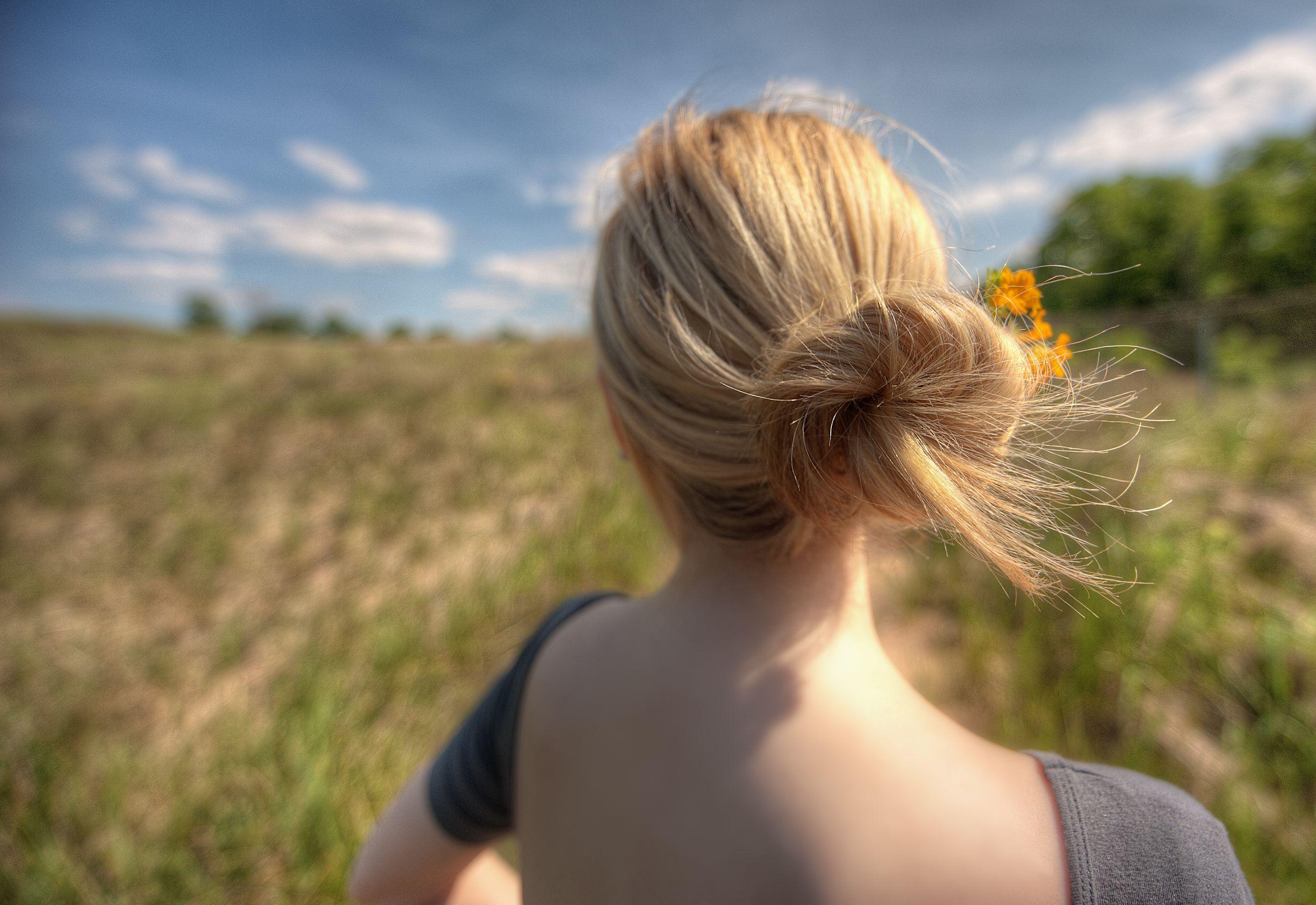 Фото девушка блондинка вид со спины 16 фотография