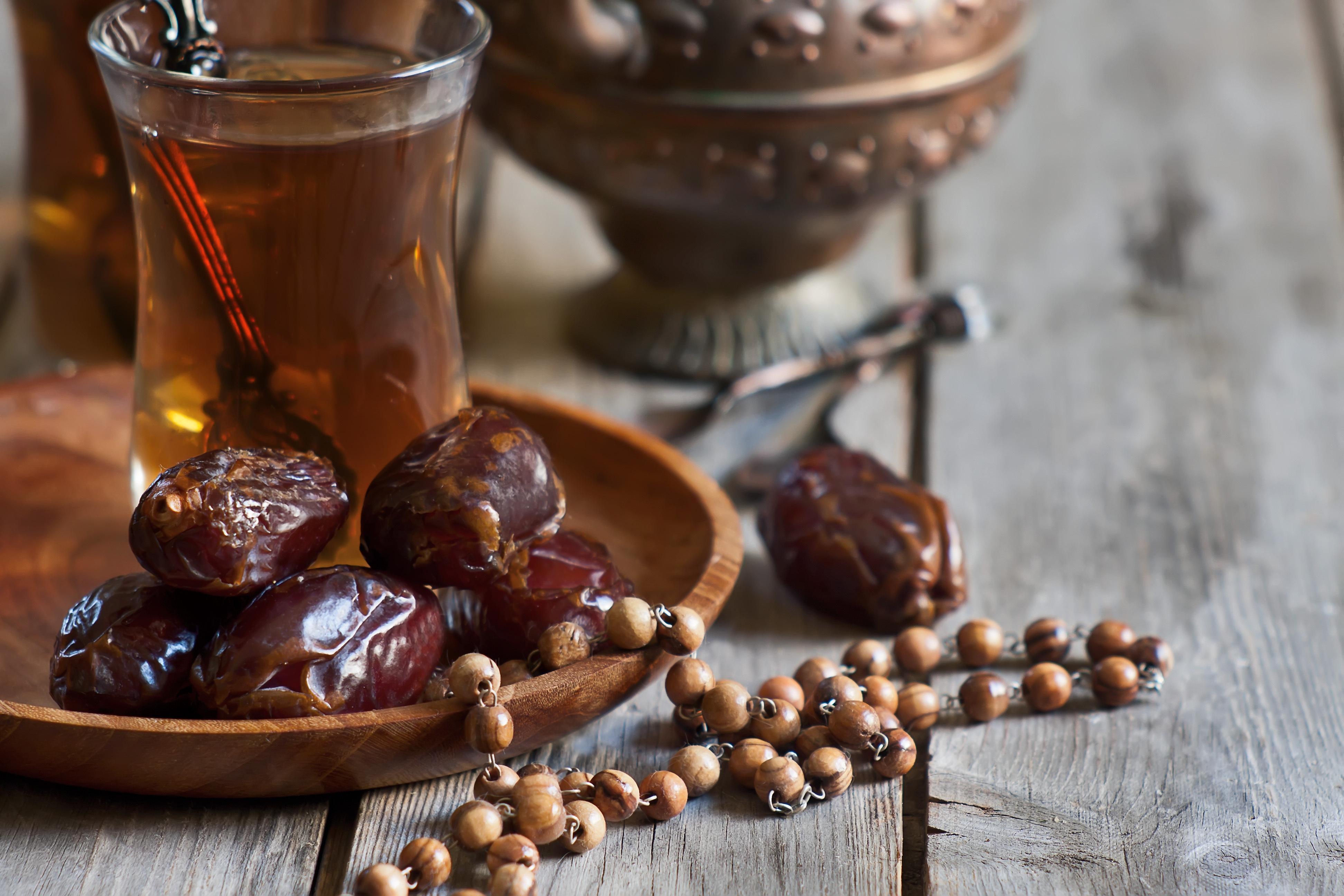 Мая, картинки с финиками рамадан