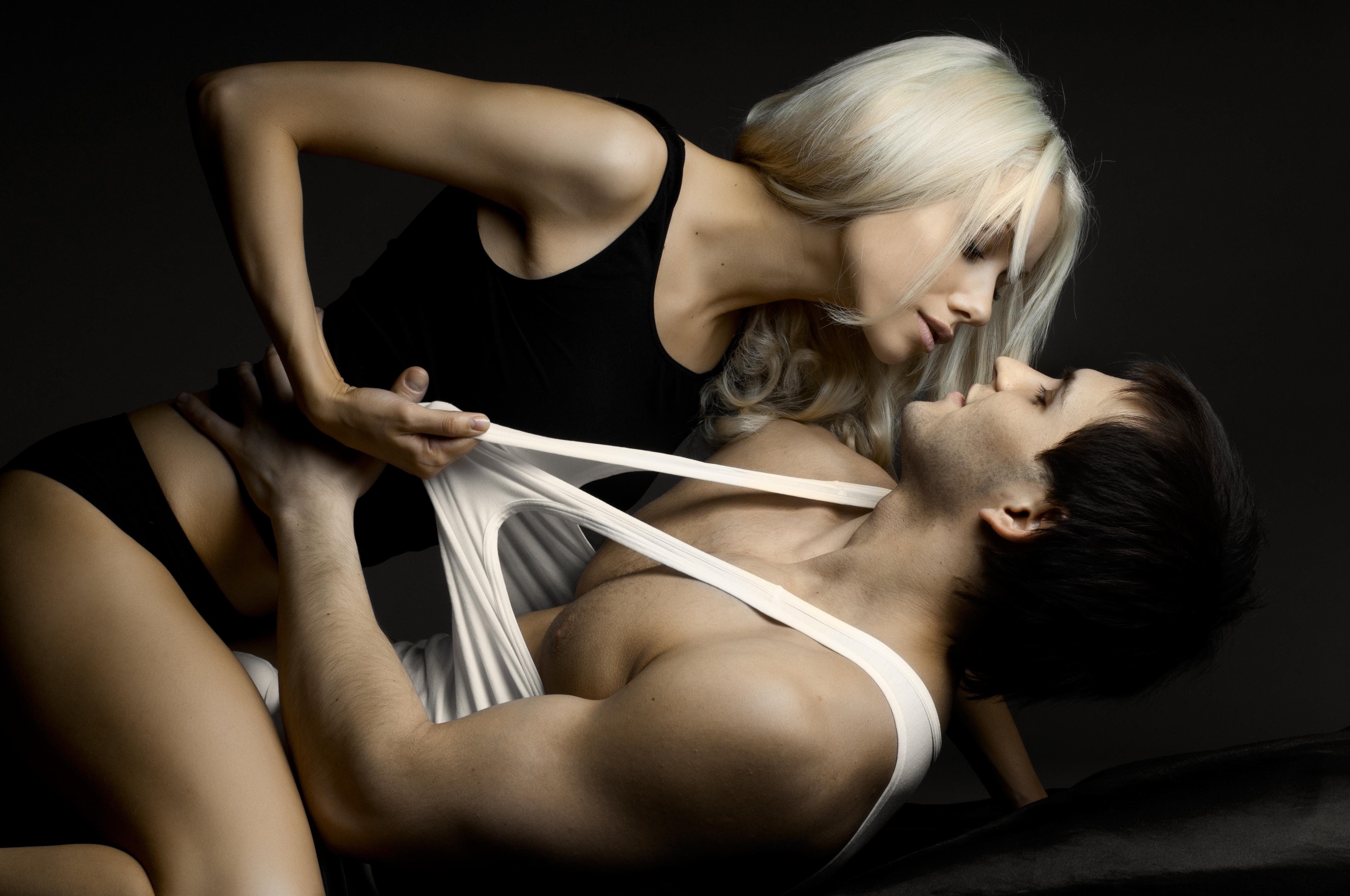 жесткий секс с применением секс игрушек мужчины и женщины некоторые фамилии