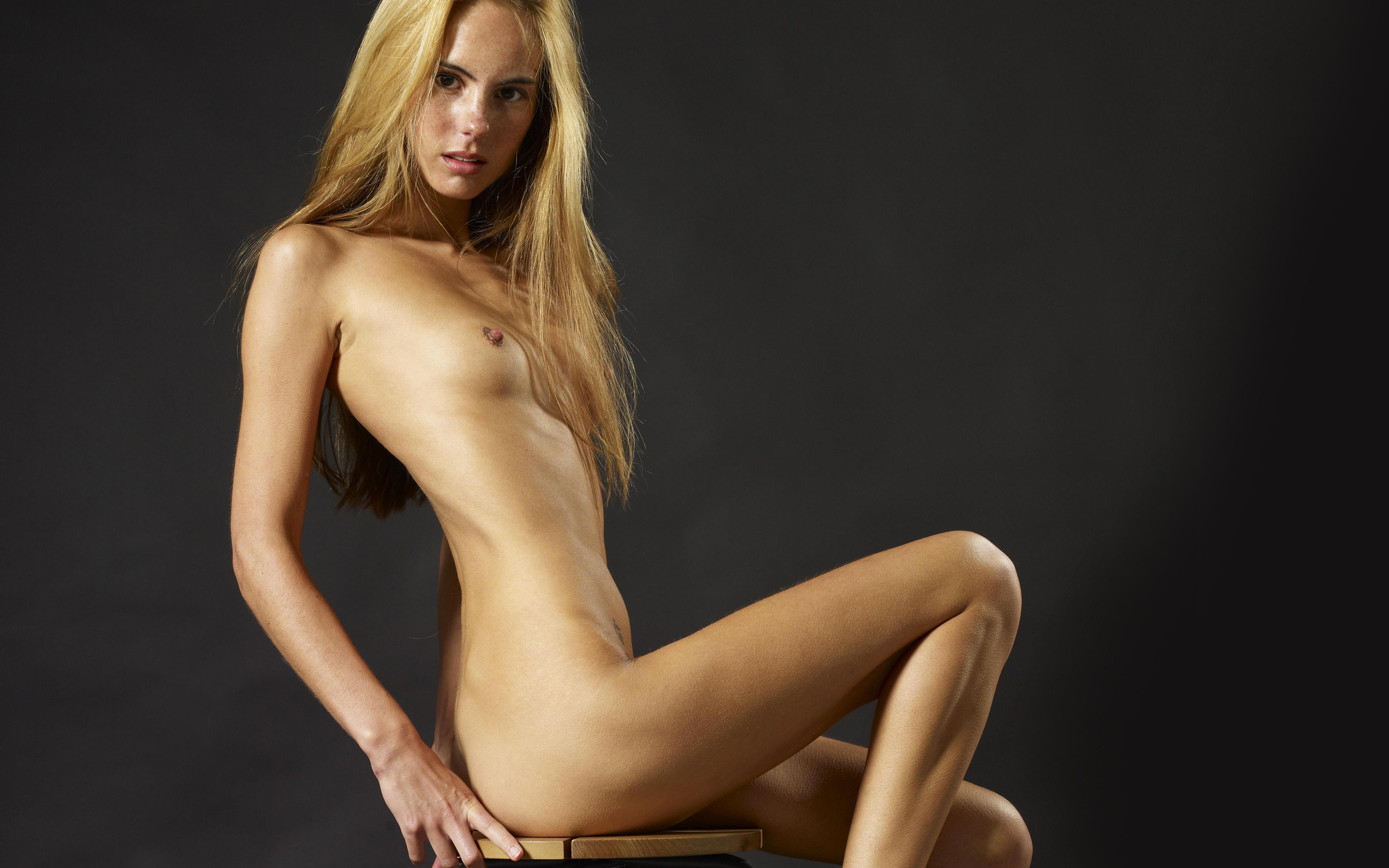 hot-model-naked-girl-skin