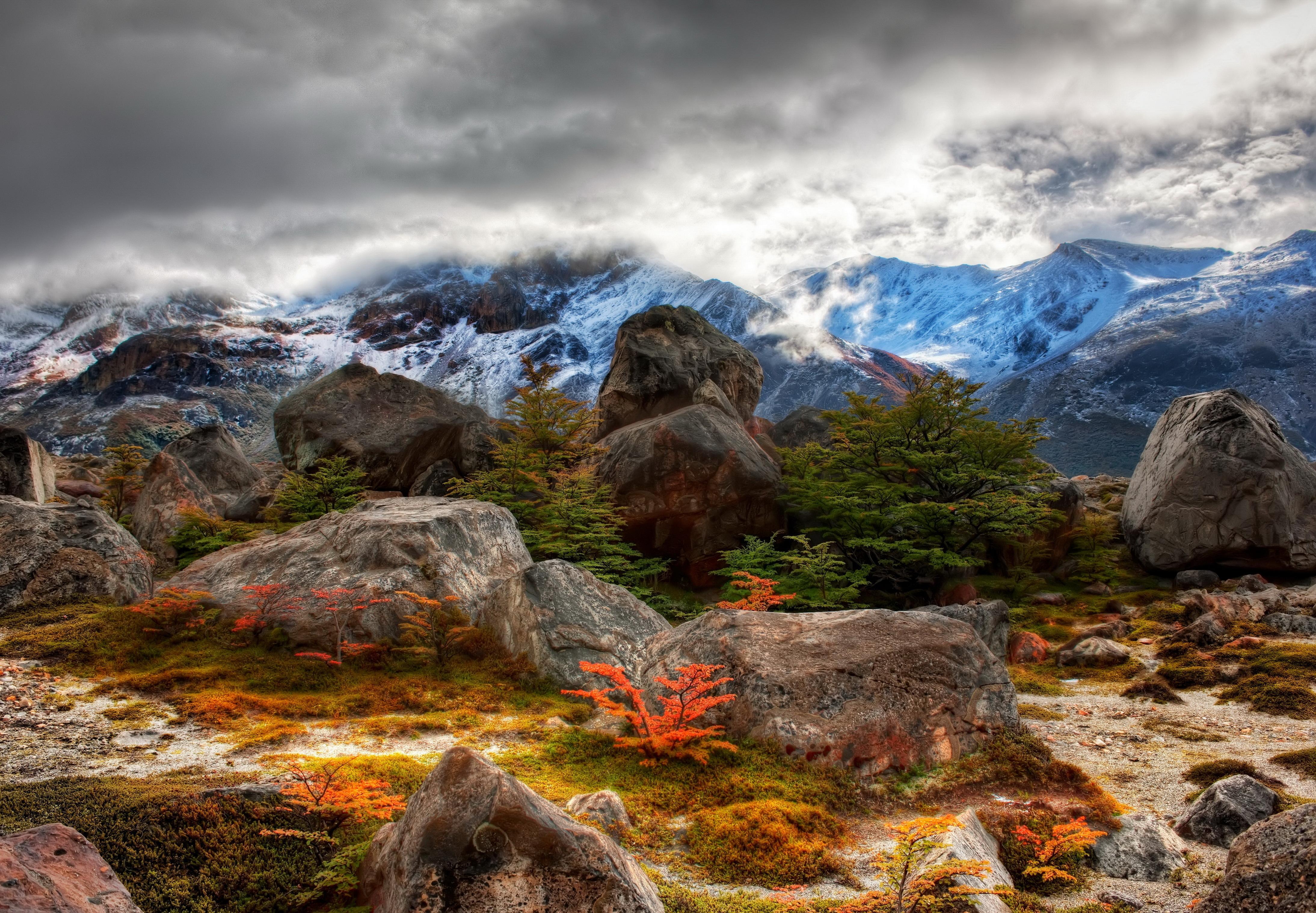 Горы, небо, лес, облака, камни  № 3240734 без смс
