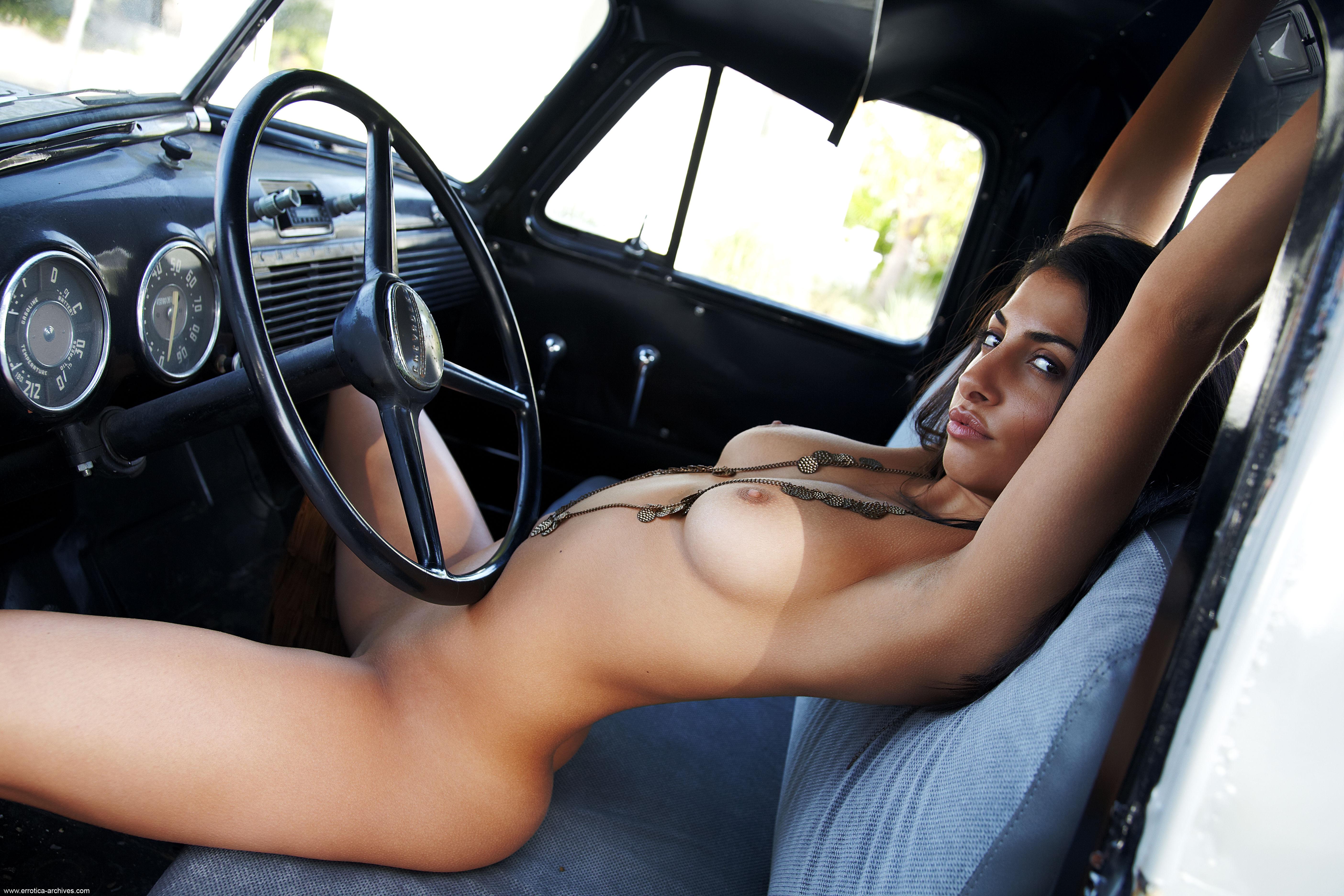 порно фото авто и девушек - 14