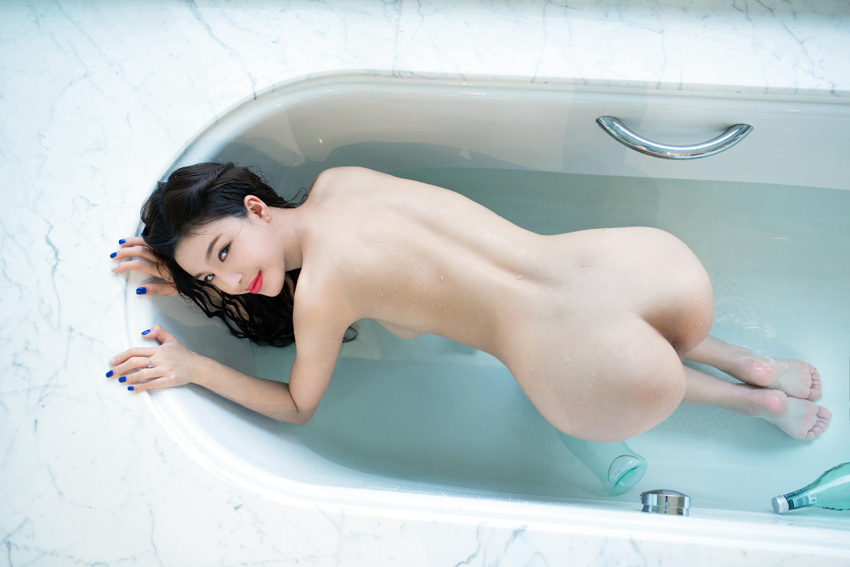 Japanese bathtub girl sex, latex notes style