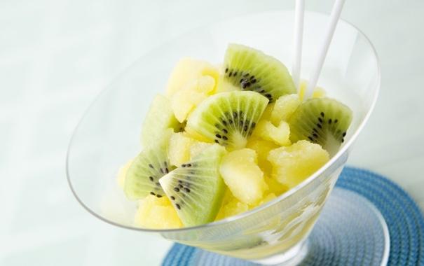 Фото обои фон, бокал, еда, киви, фрукты, ананас, салфетка