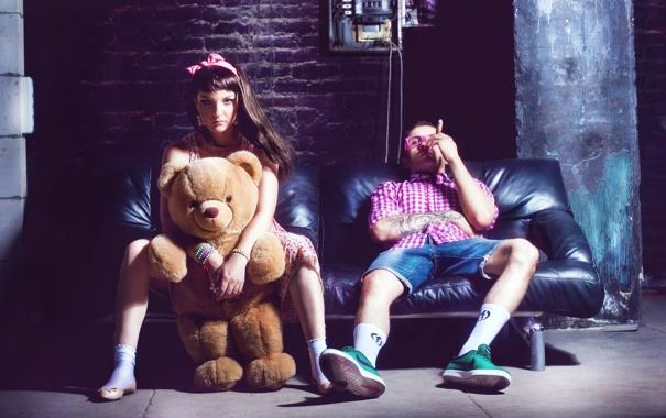 Фото обои девушка, медведь, сигара, парень, COSMOSTARS, T-SHIRT