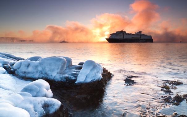 Фото обои море, небо, камни, корабль, теплоход