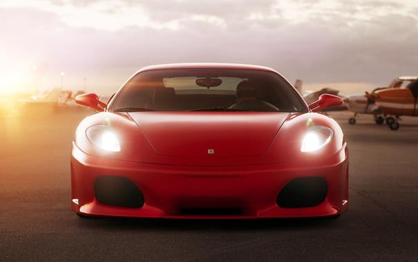 Фото обои солнце, Ferrari, red, феррари, блик, красная, аэродром