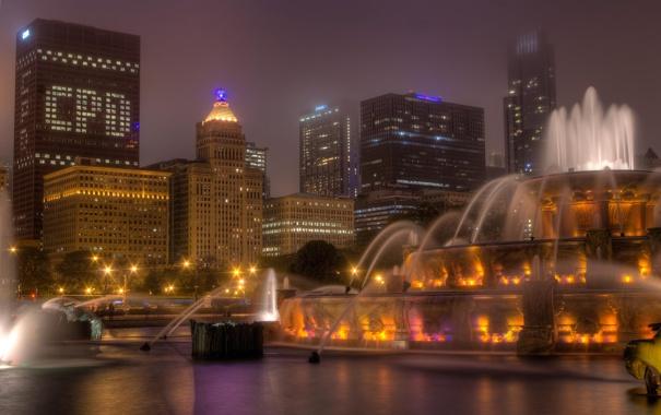 Фото обои ночь, город, огни, небоскребы, Чикаго, фонтан, США