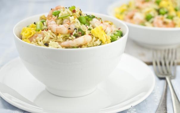 Фото обои зелень, фон, еда, горошек, посуда, рис, вилки