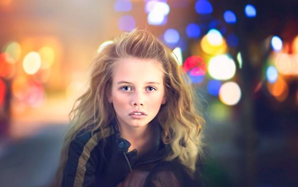 Фото обои взгляд, город, куртка, девочка, Julia Altork