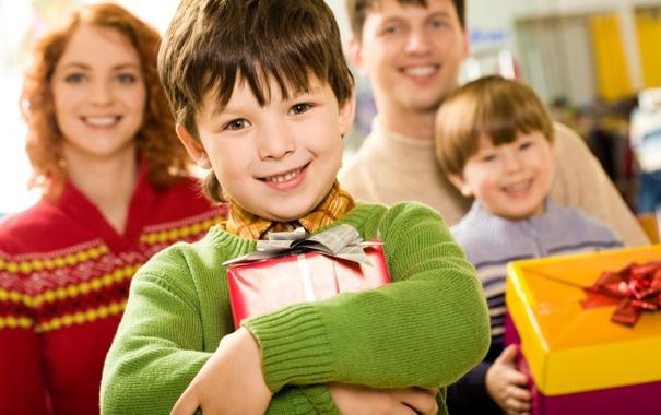 Фото обои радость, дети, улыбка, фон, праздник, коробка, подарок