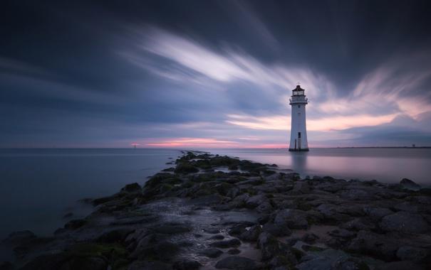 Фото обои море, небо, облака, камни, маяк, вечер