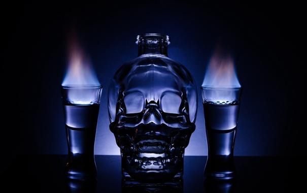 Фото обои пламя, череп, бутылка, водка, рюмки