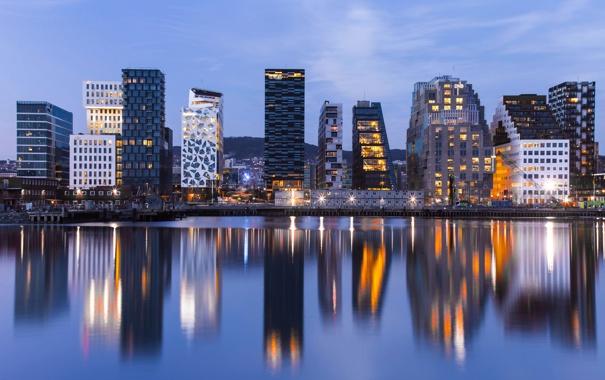 Фото обои вода, город, огни, отражение, вечер, подсветка, Норвегия