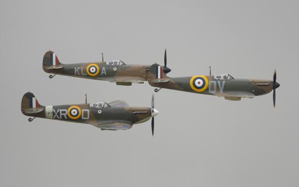 Фото обои гроза, полет, пилоты, серое небо, образование, Supermarine Spitfire Mk I