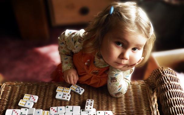 Фото обои игра, девочка, домино