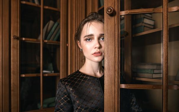Фото обои взгляд, книги, губки, Nika, Tatiana Mercalova