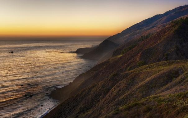 Фото обои море, небо, трава, вода, солнце, горы, природа