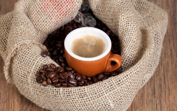 Фото обои кофе, горячий, зерна, пар, чашка, напиток, мешок