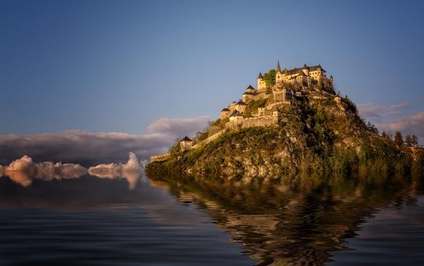 Фото обои небо, облака, озеро, гладь, замок, гора