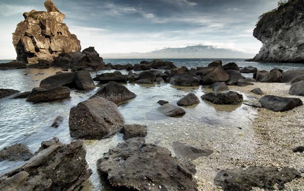 Фото обои море, небо, камни, скалы, берег, пророда