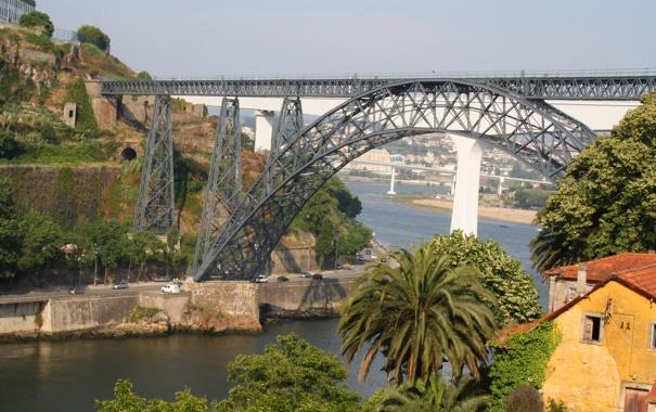 Фото обои небо, мост, пальма, дома, опора, залив, арка