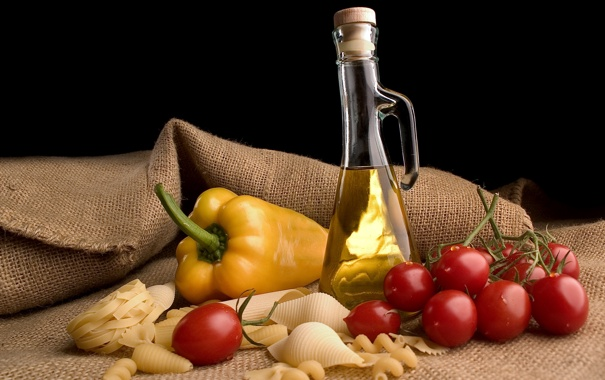 Фото обои бутылка, масло, перец, натюрморт, помидоры, томаты, макароны